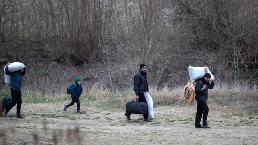 Хванаха група нелегално влезли в България бежанци край Търговище
