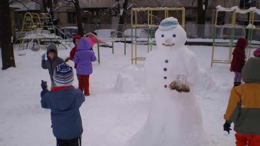 Близо 20 деца на медици посещават детските заведения, отворени извънредно в Русе