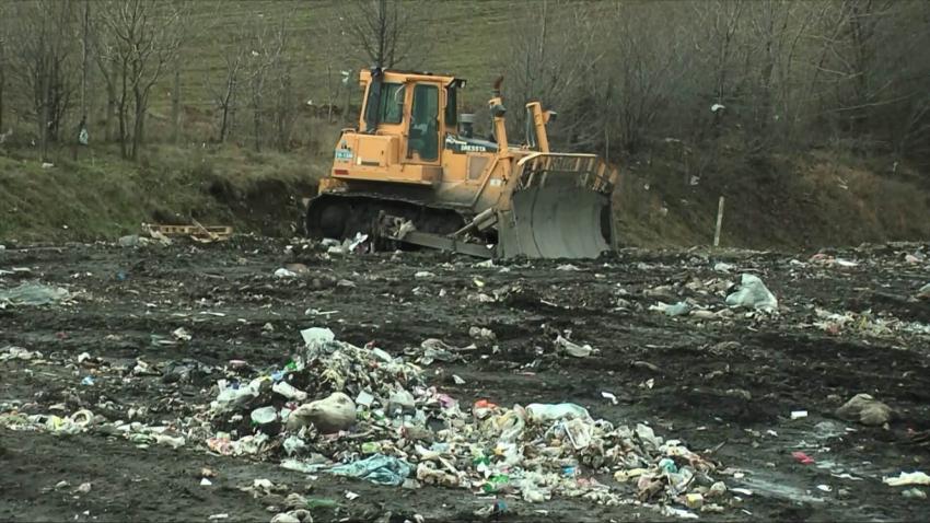Ще изграждат нова клетка на депото за отпадъци край Търговище /ВИДЕО/
