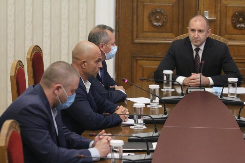 Президентът поиска всички служители, уронили престижа на полицията, да бъдат наказани /ВИДЕО/