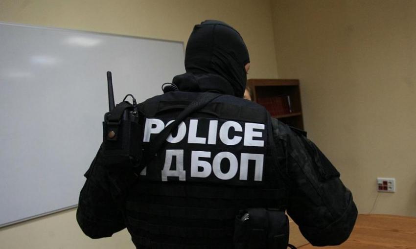 ГДБОП и прокуратурата разбиха група хакери в Разград, източвали пари от банкови сметки /ВИДЕО/