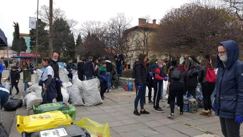 """Разград събра над 2 тона капачки за кампанията """"Аз вярвам и помагам"""""""
