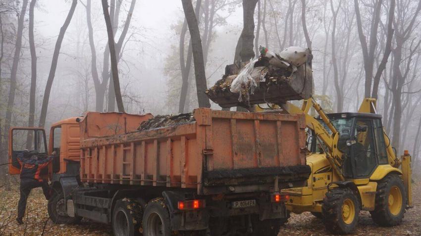 Събраха над 40 тона отпадъци при акция на жители на русенското село Николово