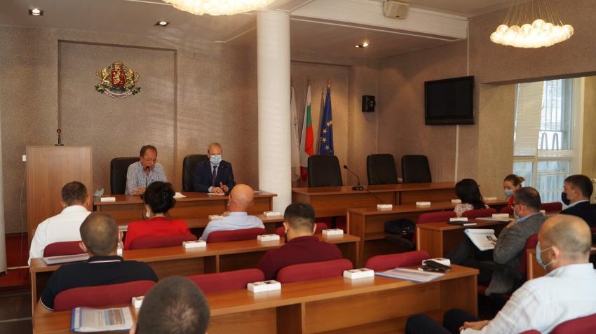 """На среща обсъдиха евентуалния нов водоизточник за """"Шишеджам"""" в Търговище"""