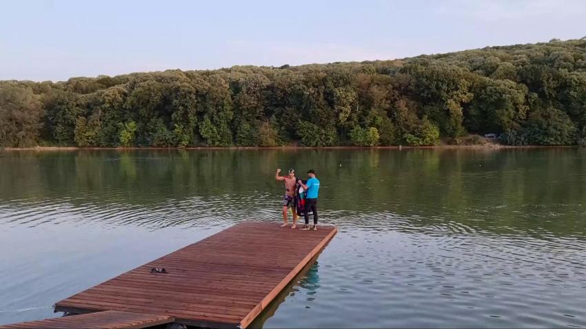 Благотворително: Теодор Цветков преплува 220 километра, а брат му Валентин пробяга 280 /ВИДЕО/
