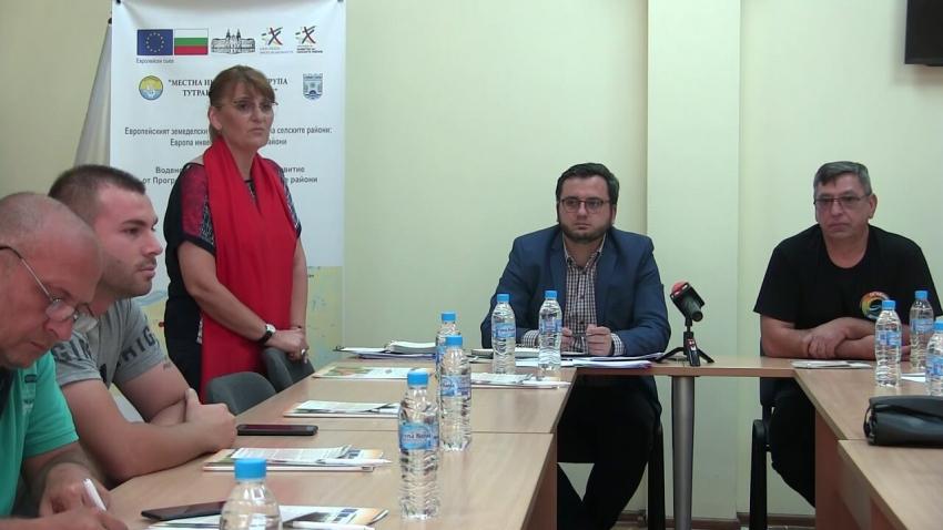 ВИДЕО: Заместник-министърът Георги Събев се срещна в Тутракан със земеделци