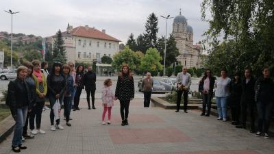 Беленчани поднесоха венци и цветя в чест на Деня на Независимостта на България