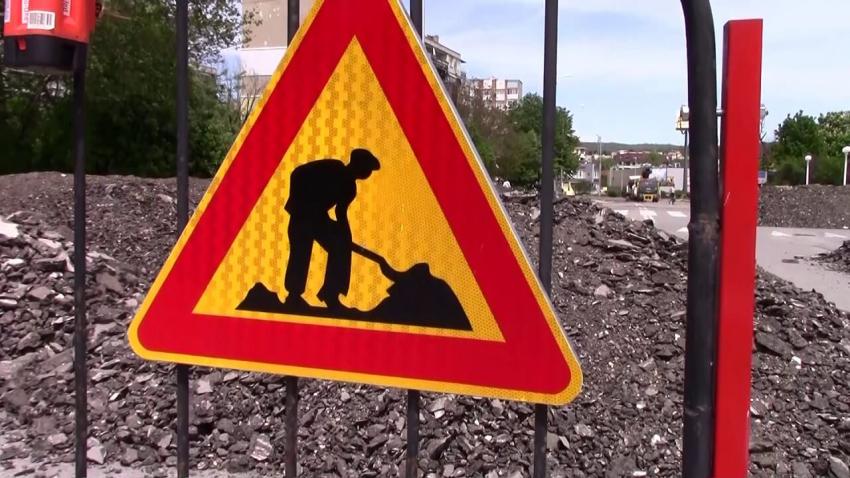 Продължават ремонтите на основни пътни отсечки в Разград /ВИДЕО/