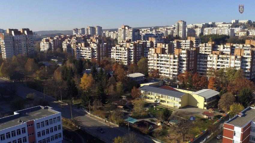 Във В. Търново организират целодневна занималня за малките ученици на родители, борещи се срещу COVID-19