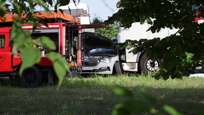 ОБНОВЕНА: ВИДЕО: Жена и момче загинаха на място след тежка катастрофа в Русе