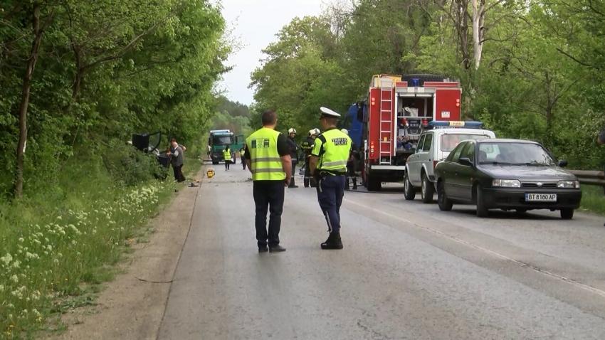 Тежка катастрофа на пътя Русе - Велико Търново отне човешки живот /ВИДЕО/