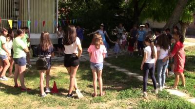"""ВИДЕО: Библиотеката в Разград организира поредно """"Приказно лято"""" за децата"""