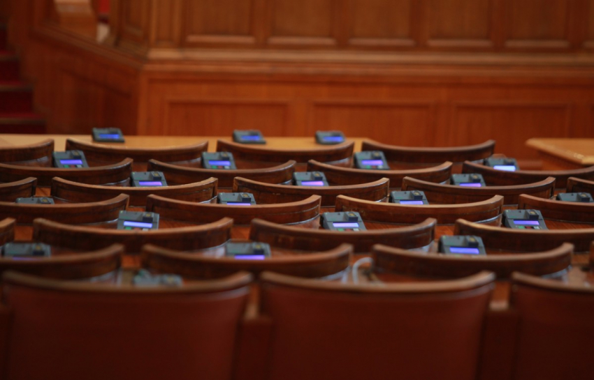 9% ДДС за заведенията влиза в Парламента тази седмица /ВИДЕО/