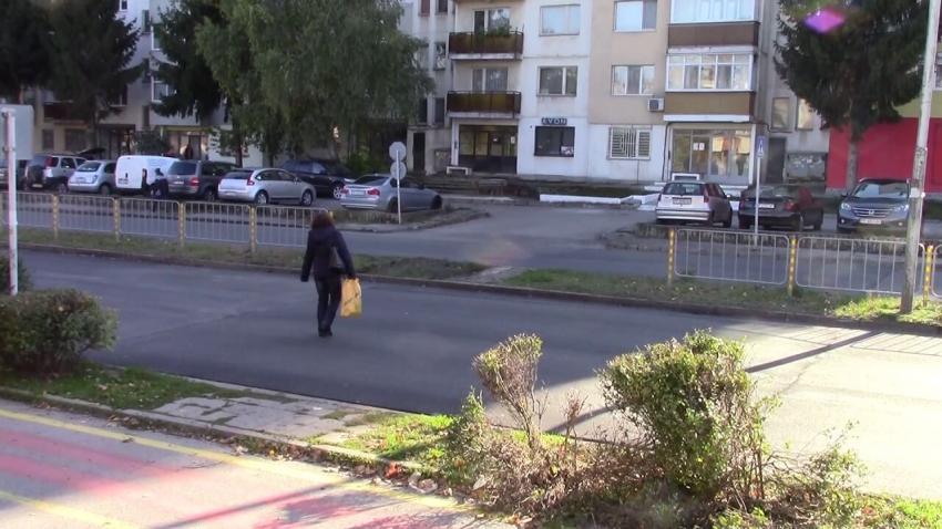 ВИДЕО: Започна изграждането на 8 повдигнати пешеходни пътеки в Разград