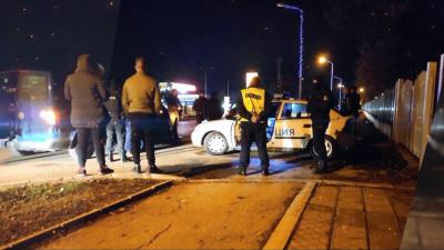 """След акция на """"Вътрешна сигурност"""" и прокуратурата задържаха трима полицаи от Сливо поле /ВИДЕО/"""
