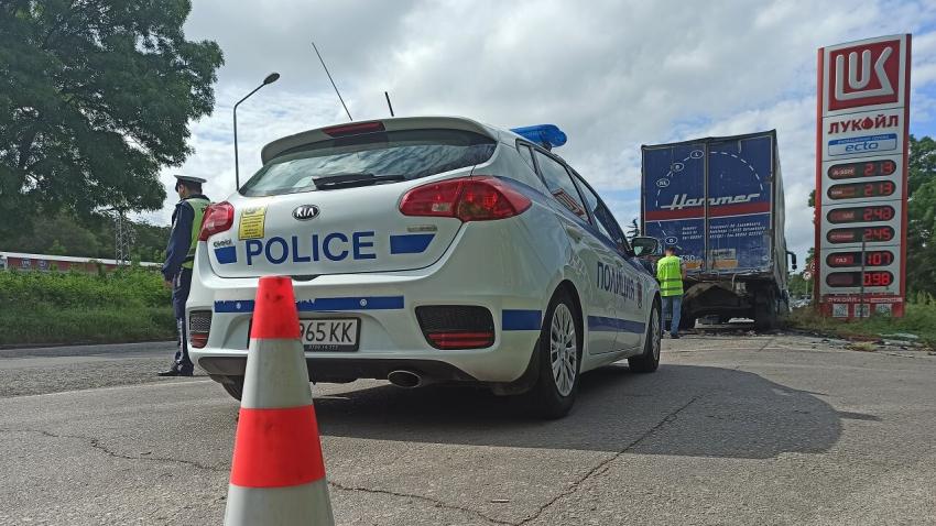 Двама младежи загинаха при тежка катастрофа на изхода на Русе тази сутрин /ВИДЕО/