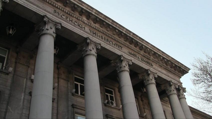 Държавата ще плаща таксите на студенти, които имат сключен договор за работа в България /ВИДЕО/
