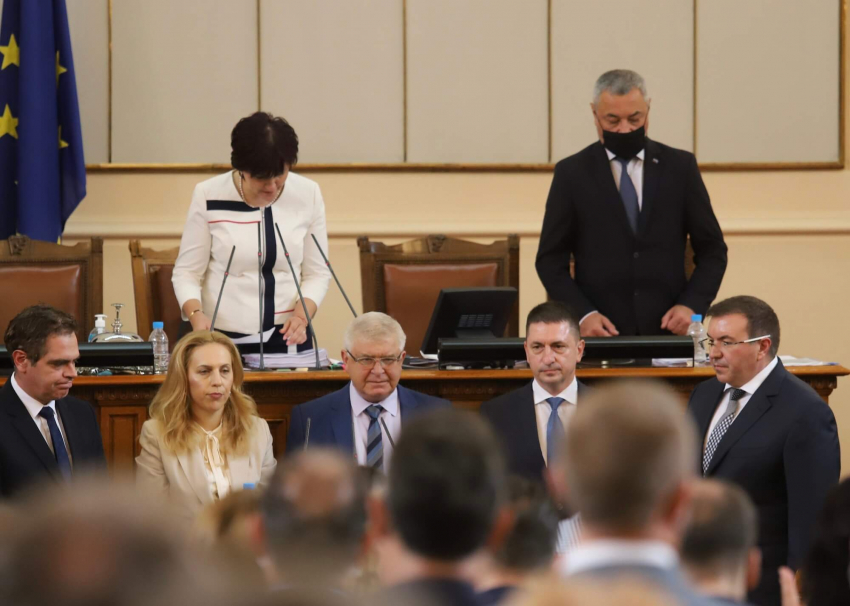 Депутатите одобриха промените в кабинета, новите министри положиха клетва /ВИДЕО/