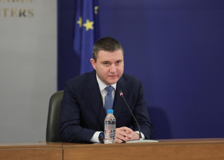 Горанов: Правителството не обмисля да подава оставка /ВИДЕО/