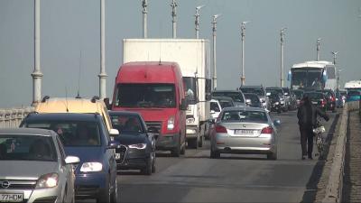 ВИДЕО: Кметът Пенчо Милков поиска част от таксите на Дунав мост да остават в Русе